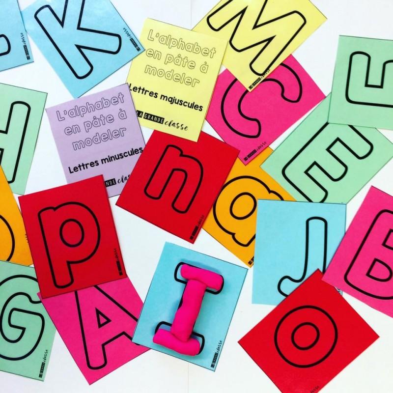 Cartons Pour écrire L\'alphabet En Pâte à Modeler